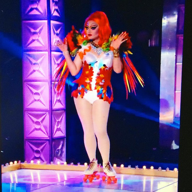 Queens on skates! Werrrrk those feathers, Kim Chi.
