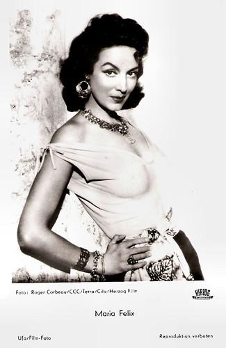 Maria Felix in Les héros sont fatigués (1955)