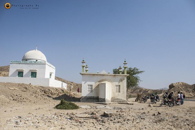 Trip to Cave City (Gondhrani) & Shirin Farhad Shrine (Awaran Road) on Bikes - 23558926793 567f952189 c