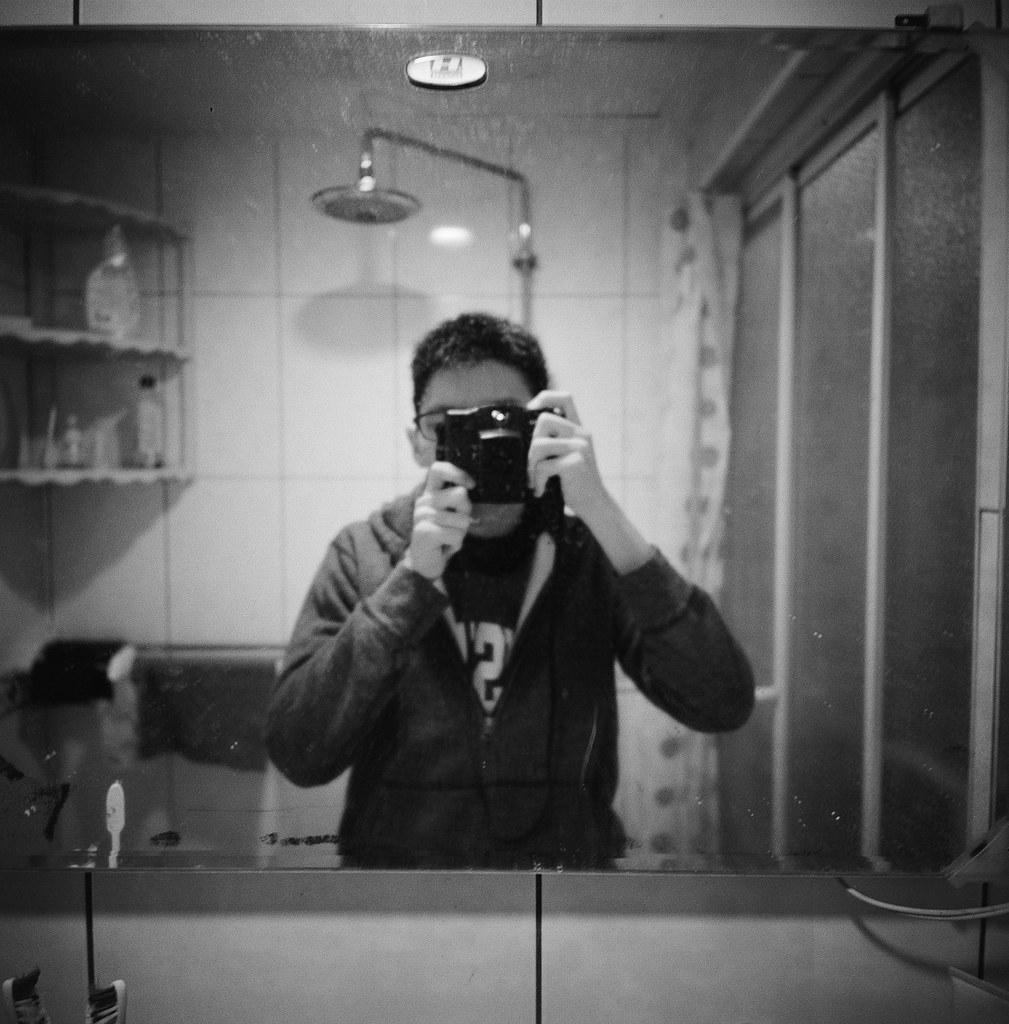 我 日常 台北 / Kodak 400TX / Lomo LC-A 120 這段時間台北一直在下雨,一直想要拍和雨天有關的主題,但是不巧工作開始忙起來,所以只拍了一點點,其他的都隨意走走拍拍。  不過 Kodak 400TX 這卷底片還是拍黑白的首選!  Lomo LC-A 120 Kodak TRI-X 400 / 400TX 120mm 6781-0002 2015-12-16 ~ 2016-01-09 Photo by Toomore