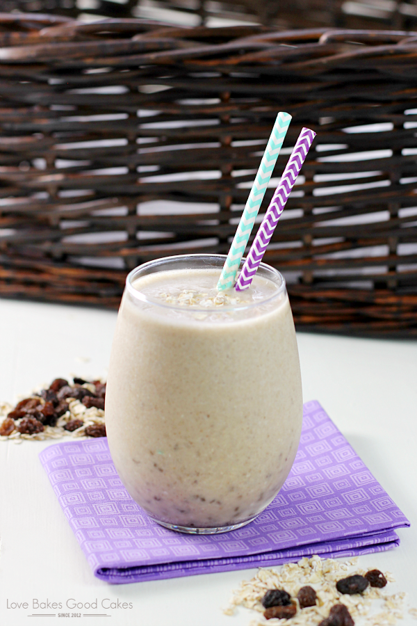 No time for breakfast?! Think again! This Banana Bread Smoothie is easy to whip up and is great for breakfast on the go! Not only is it delicious, but it's healthy!