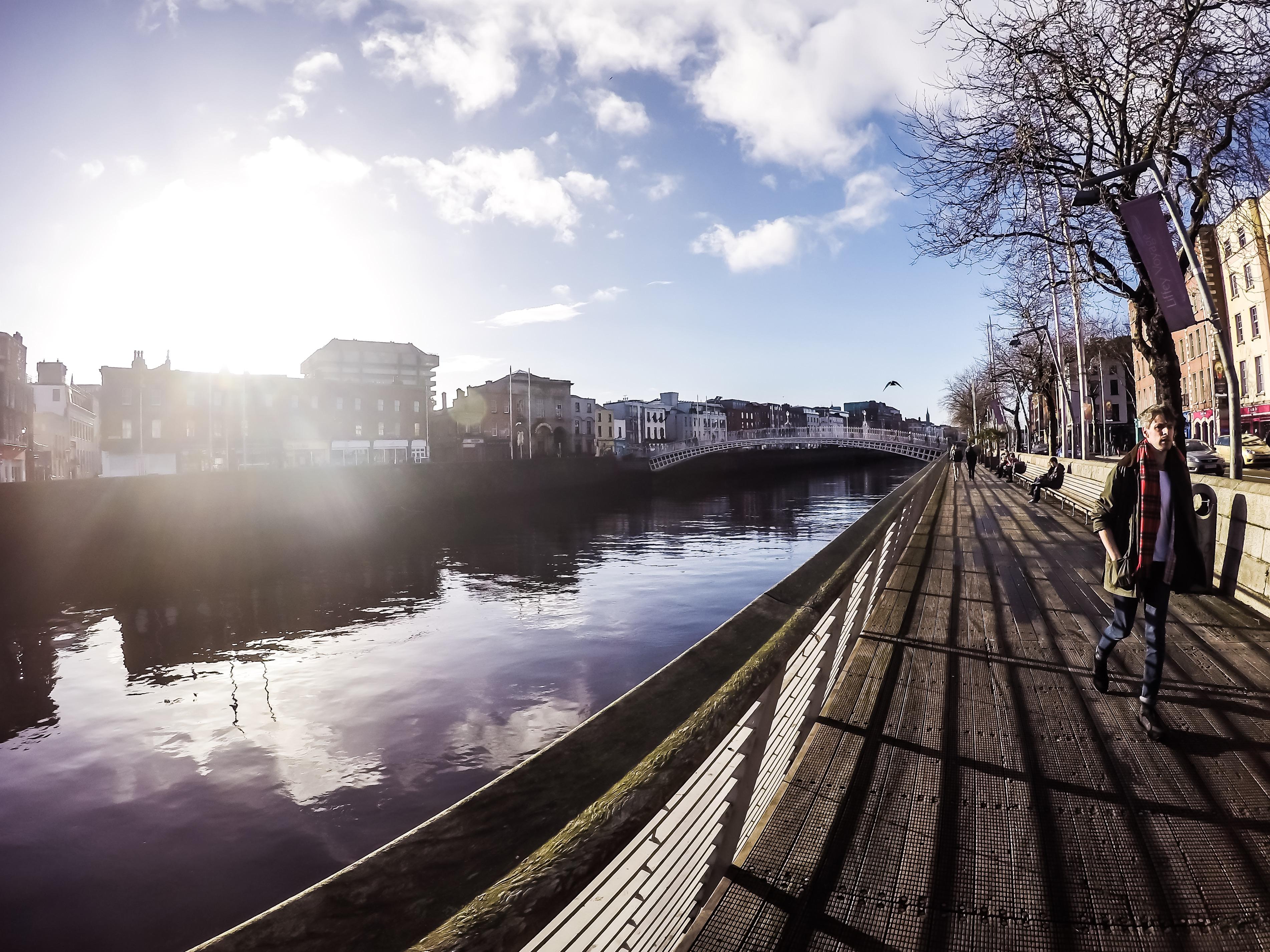 6 on 6 - Lugares que Gostamos - Dublin, margens do Rio Liffey