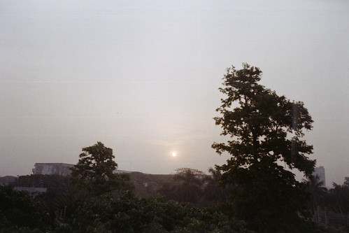 sun film analog sunrise fujifilm dhaka bangladesh buet olympusmjuii fujicolorc200 dhakadivision pacificimage primefilm3650pro3