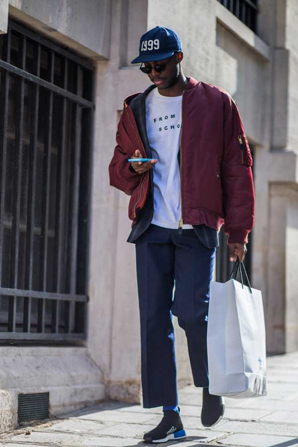 紺キャップ×エンジMA-1×白Tシャツ×グレースラックス×adidas NMD City Sock PK黒