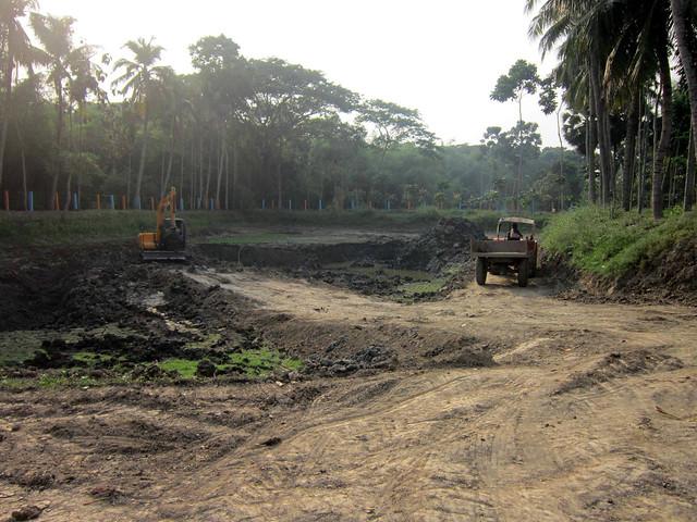 मौजूदा प्लांट की क्षमता बढ़ाने के लिये खोदा जा रहा है एक और तालाब