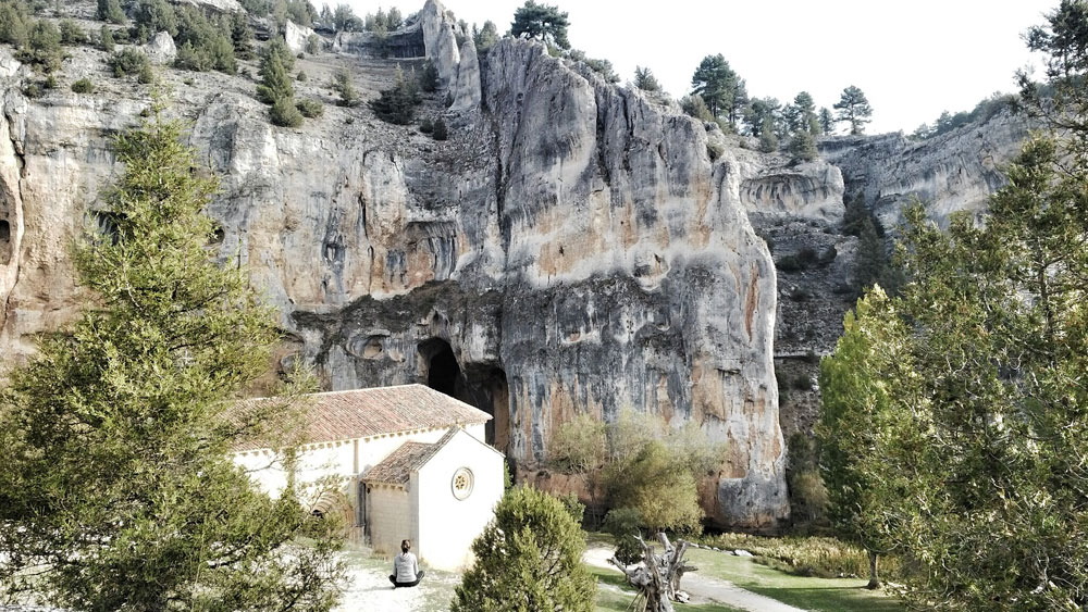 ermita san bartolomé_cueva grande_reharq_siglo XIII_románica