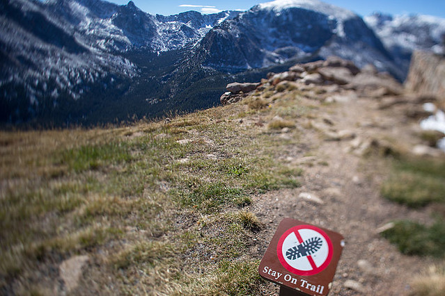 Stay_on_Trail_sign,_Forest_Canyon_Overlook,_Trail_Ridge_Road,_Rocky_Mountain_National_Park