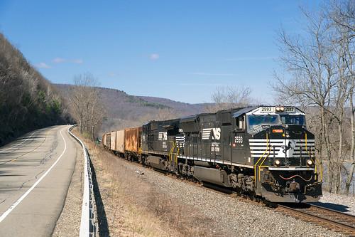 railroad newyork turn train unitedstates sony norfolk elmira railway line southern soul locomotive local chemin tier fer 24105 mainline wellsburg sayre emd h12 sd70m 2593 a99