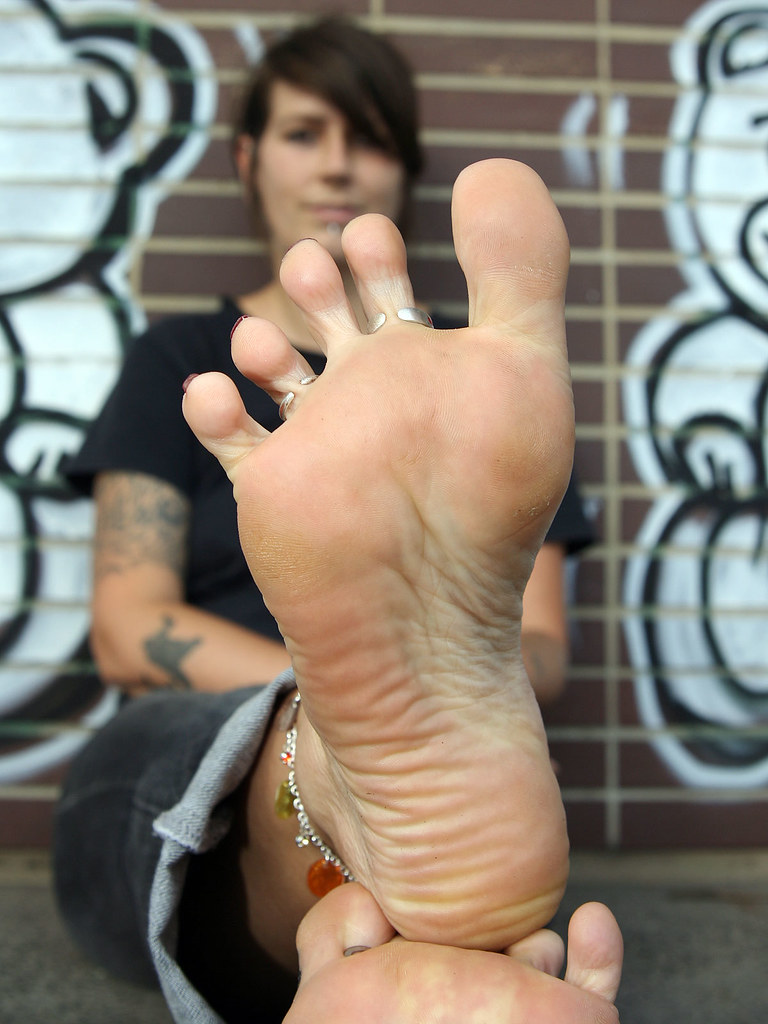 girl foot soles Punk