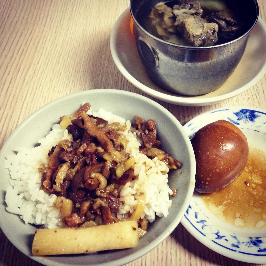 「金峰滷肉飯」的圖片搜尋結果
