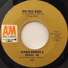 SERGIO MENDES & BRAZIL '66:MAS QUE NADA(LABEL SIDE-A)