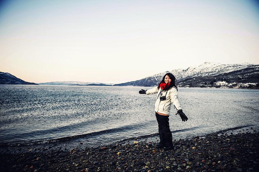 2016.02.23▐ 看我歐行腿 ▐ 阿呀~一不小心就從瑞典到了挪威, Narvik 小鎮遇見地理課本中的峽灣 22.jpg