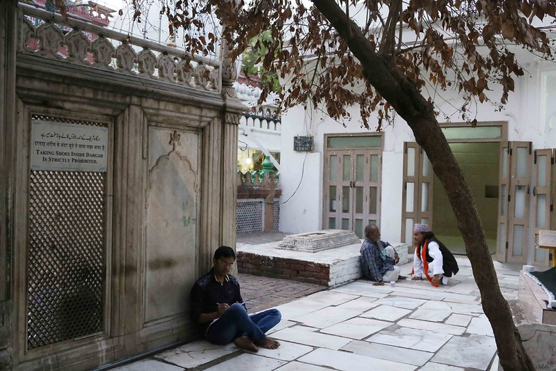 Mission Delhi – Meer Aliza, Hazrat Nizamuddin's Shrine