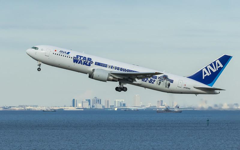 """STAR WARS ANA JET"" JA604A ANA 全日空 Boeing 767-300"