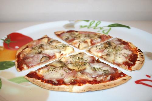 23 - Tortilla-Pizza - Variante 1 - Seitenansicht / Side view