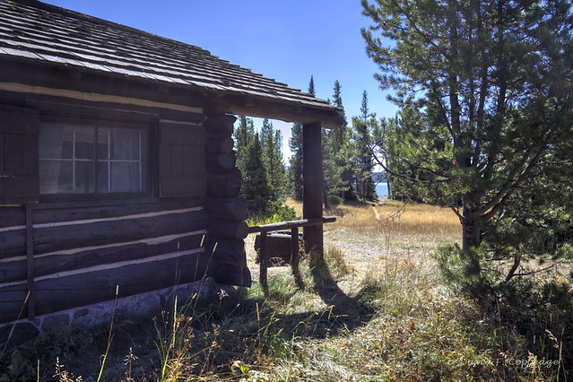 Heart Lake ranger cabin