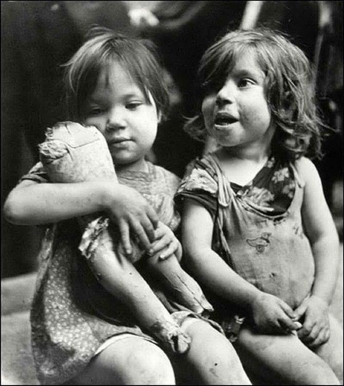 大衛·西蒙 David Seymour – 以小孩為中心的戰地攝影師1