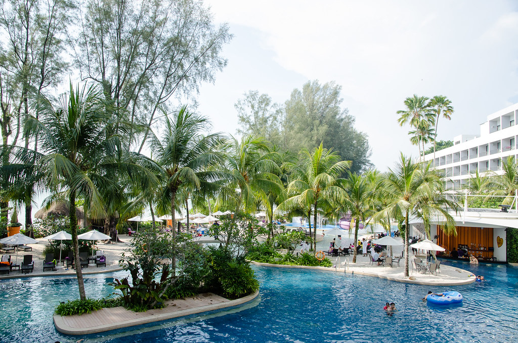 Hard rock hotel penang on batu ferringhi beach - Hard rock hotel penang swimming pool ...