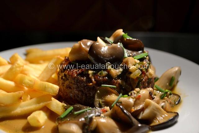 Steak Haché de Boeuf Sauce Cognac aux Pleurotes © Ana Luthi Tous droits réservés 25
