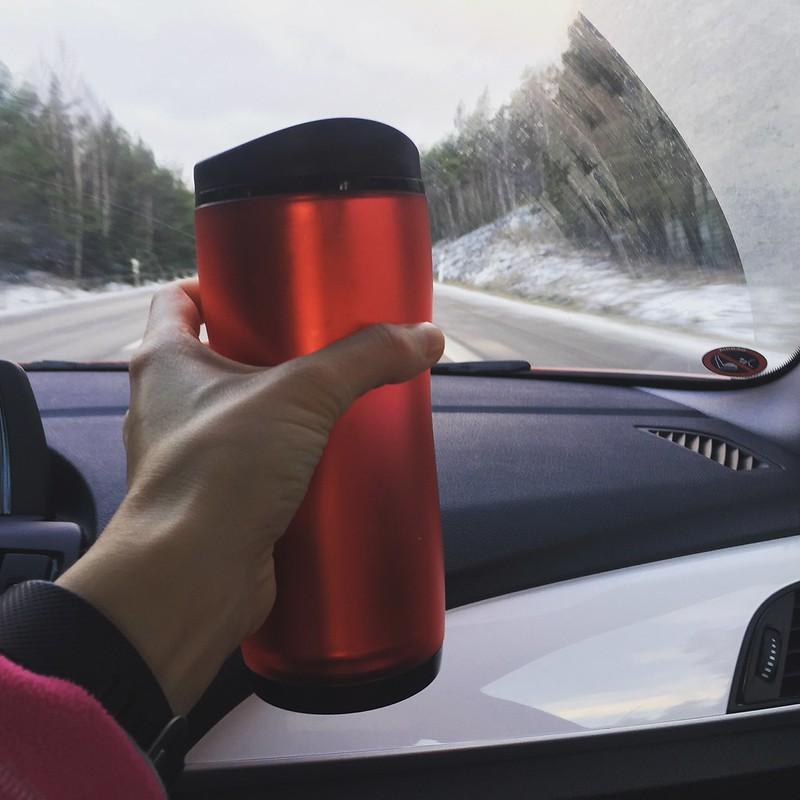 Mot brädåkning i Romme, kaffeuppladdning