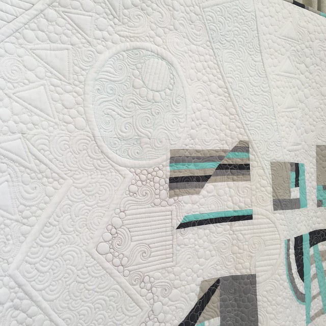"close up of ""Modern Glacier"" by Pamela Gavin of Bakersfield, CA.  Quilted by Darla Hennessee Hall"
