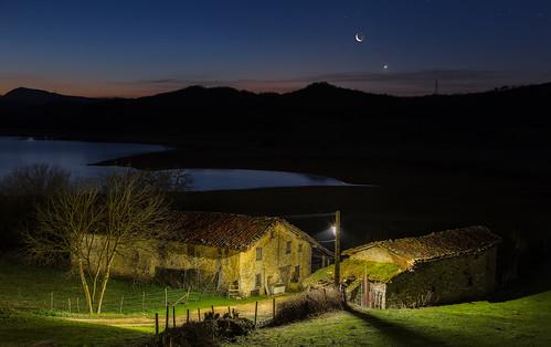 moon night sunrise canon noche spain pantano luna amanecer alava oldvillage eos6d ef24105 nanclaresdeganboa