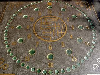 Imagen de Clock of Lights. barcelona clock lights spain pavement reloj curiosity orologio klok uhr 時計