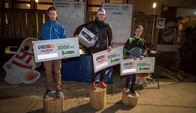 Noční stopu Valachy vyhrál Lichý, místo lyží se závodilo v běhu