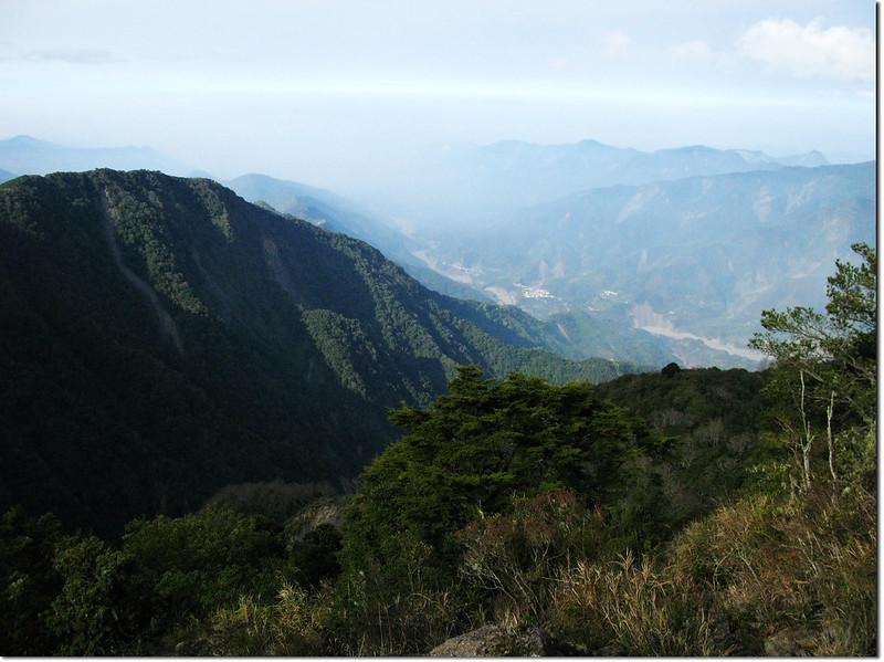 斯拉巴庫山腰俯瞰荖濃溪河谷 2