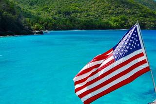 Изображение на Little Hawknest Beach. blue beach azul bay flag azure americanflag atlantic american caribbean starsandstripes vi virginislands hawksnest usvi saintjohn lovecity