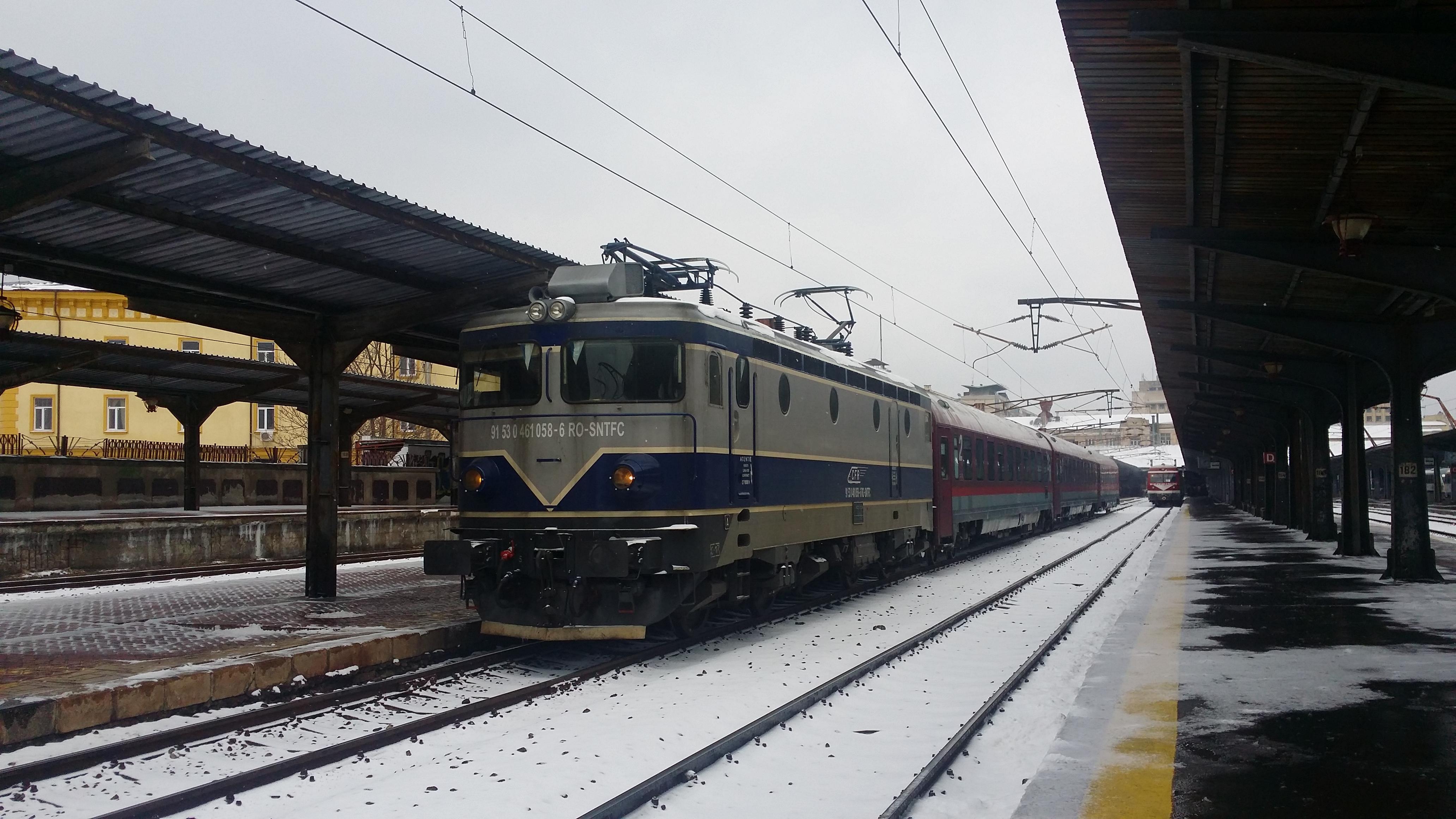 Locomotive clasa 46 - Pagina 58 27880715527_2baecdbb67_o
