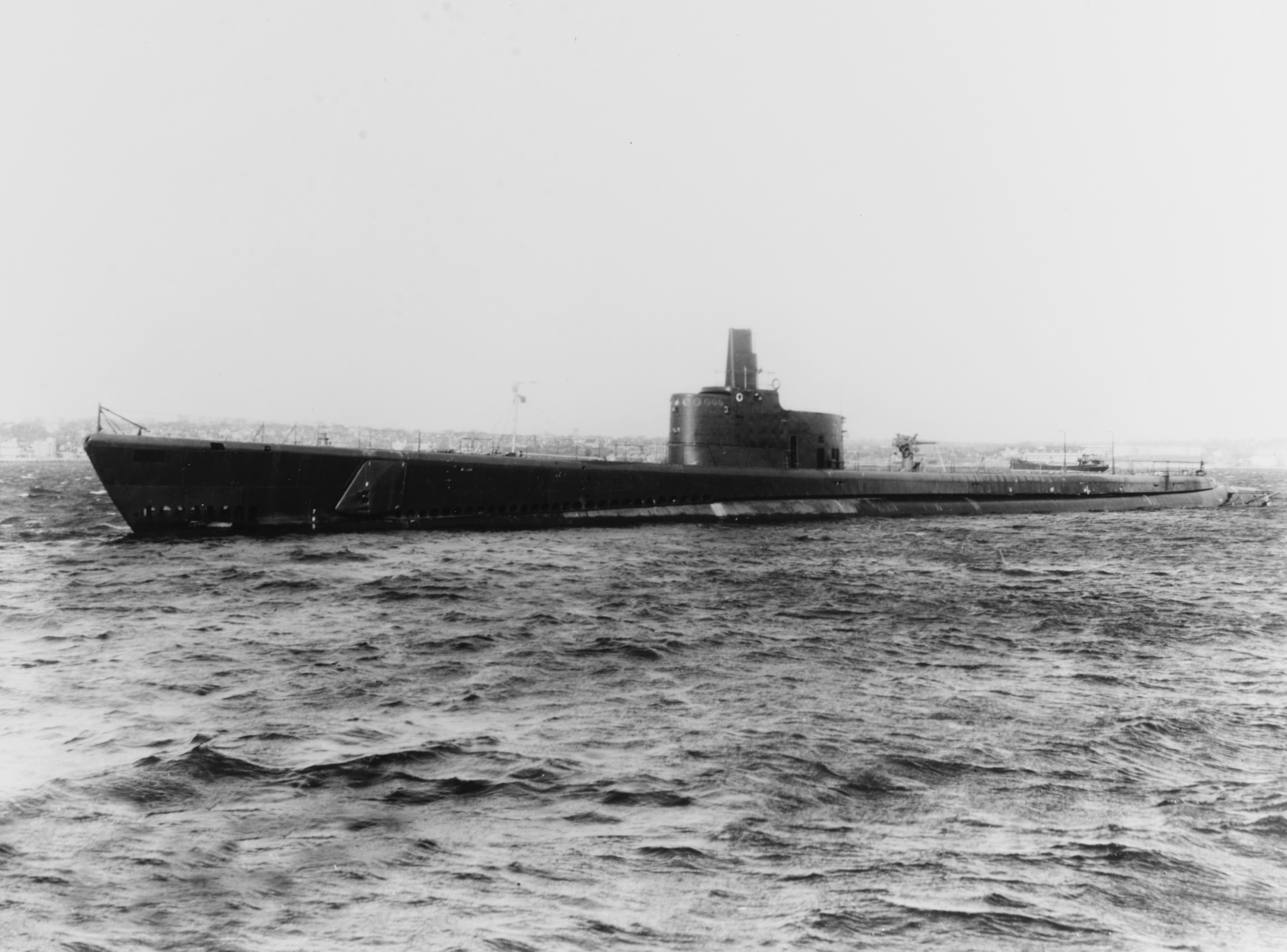 The U.S. Navy submarine USS Growler (SS-215) underway on May 5, 1943. Note the 76 mm gun mounted forward.