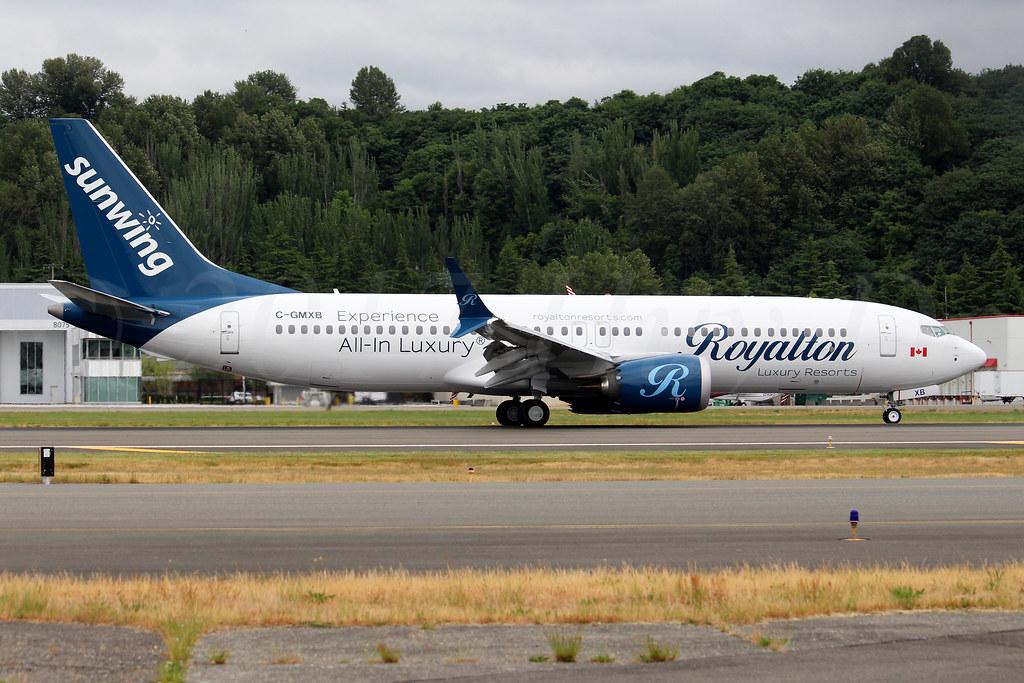 Boeing 737 MAX 8 Sunwing Airlines C-GMXB LN6956