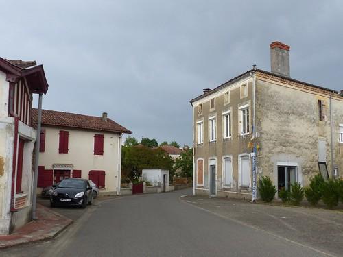Montgaillard, Landes: à droite l'ancienne épicerie si ma mémoire est bonne.