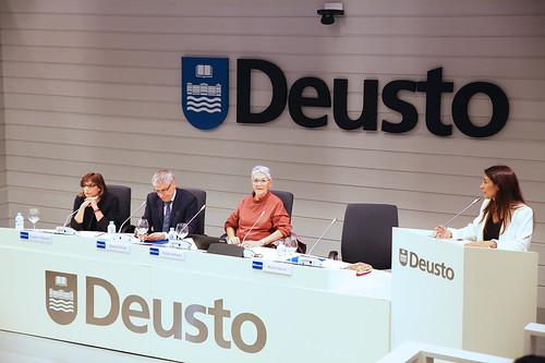 """Conferencia DeustoForum """"50 años educando para mejorar el mundo"""""""