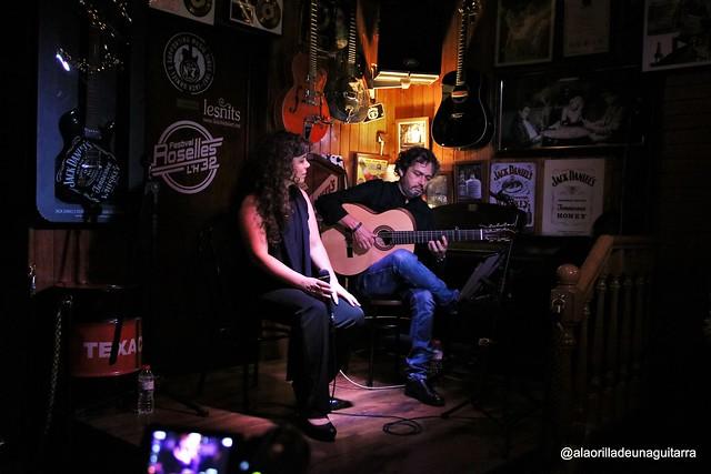 SHEILA GRADOS & JAVIER GAVARA - ONCLE JACK