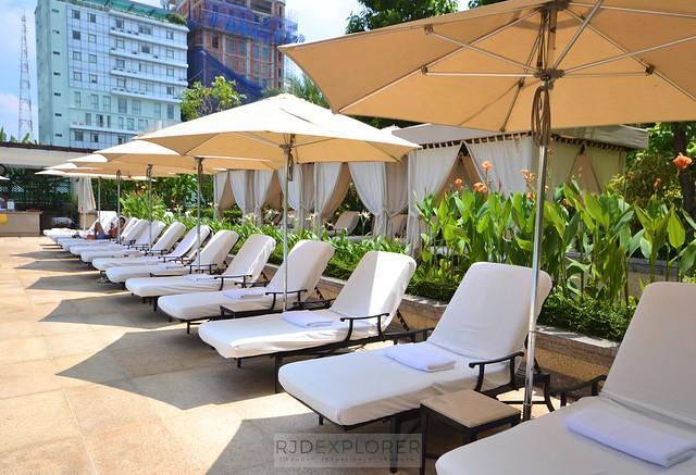 park hyatt saigon swimming pool sun lounges