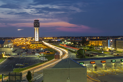 calm columbus airport lighttrails brinkofday controltower sunset saturday clouds longexposure ohiofoothills ohio