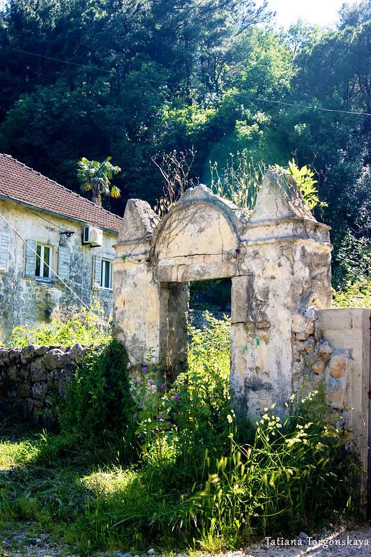 Старые ворота из Прчаня
