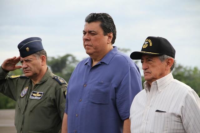 Ministros del Interior y Defensa analizan situación en zonas de frontera