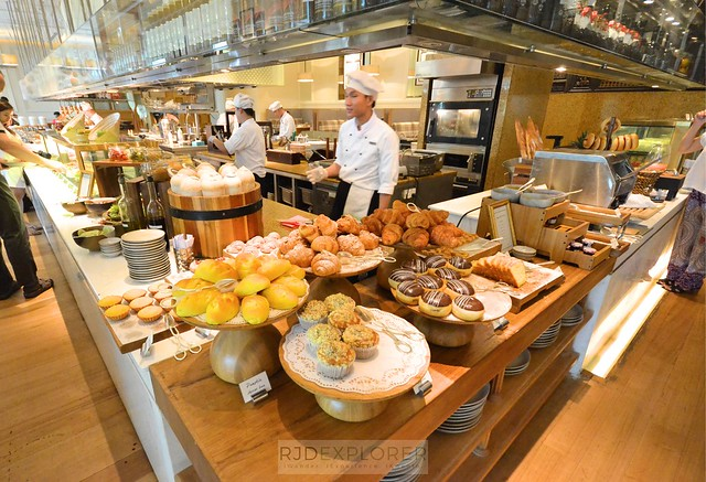 park hyatt saigon buffet breakfast