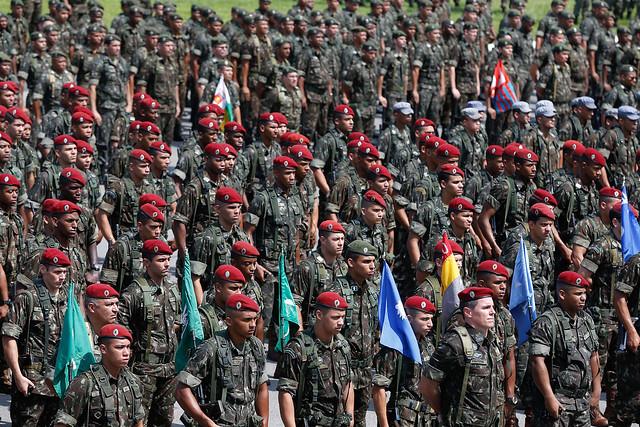 Exército, Aeronáutica, Marinha e Polícia Rodoviária Federal poderão atuar para dispersar paralisação dos caminhoneiros - Créditos: Foto: Tânia Rêgo/Agência Brasil