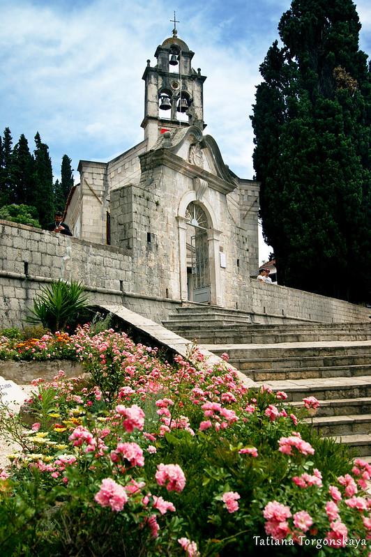 Церковный комплекс в Топле