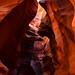 11. La luz entrando por las grietas del cañón del Antelope