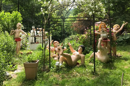 In der Plinz - künstlerisch gestalteter Garten