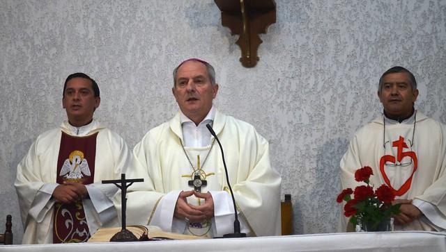 Dos parroquias de Temperley recibieron a su nuevo administrador y vicario