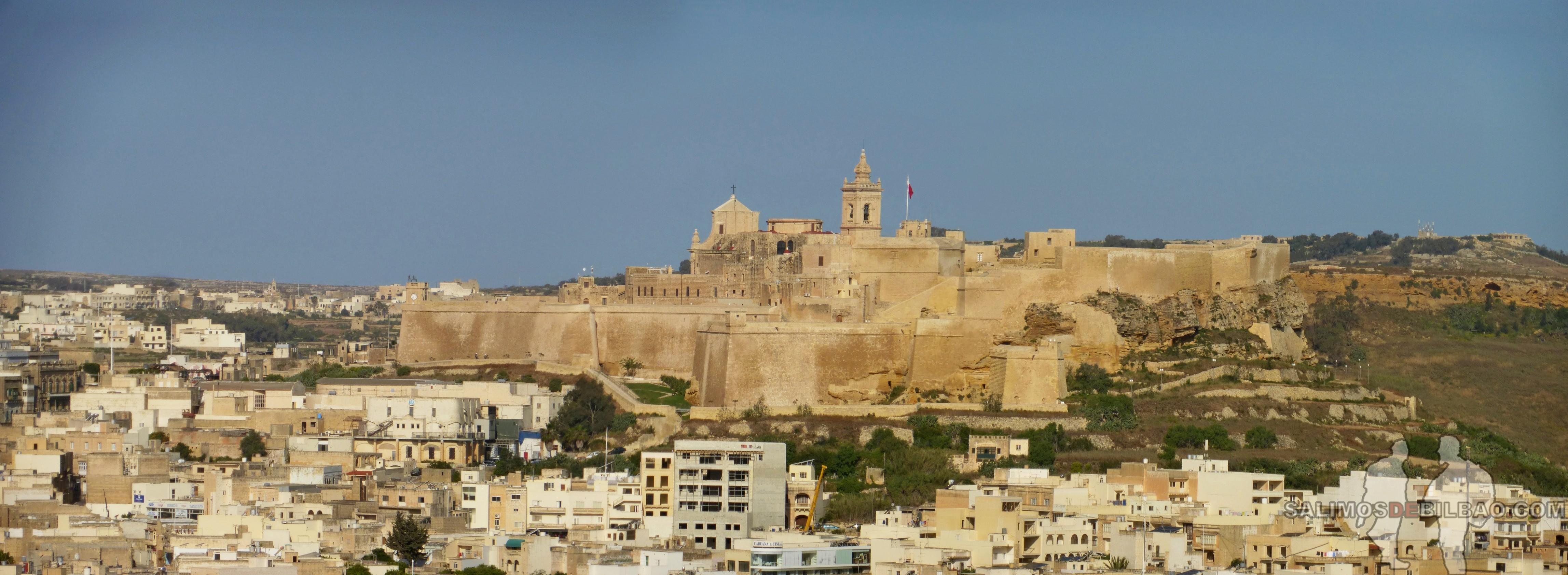 0513. Pano, Ciudadela de Victoria desde Xaghra, Gozo
