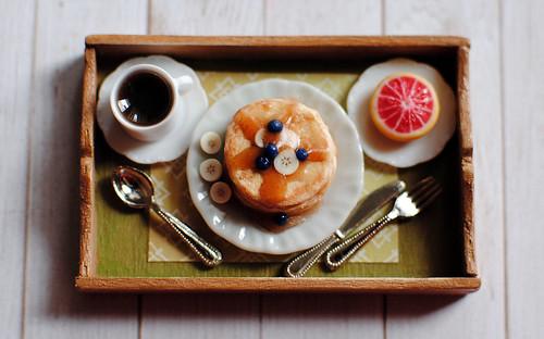 Dollhouse breakfast