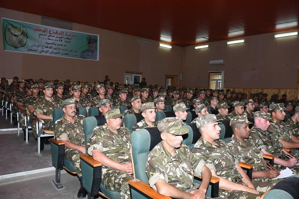 الجزائر : صلاحيات نائب وزير الدفاع الوطني - صفحة 22 27753089397_9be04658d5_b