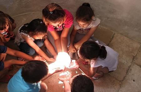 4. Djeca grle sunceve zrake, autorica Marija Dejanovic